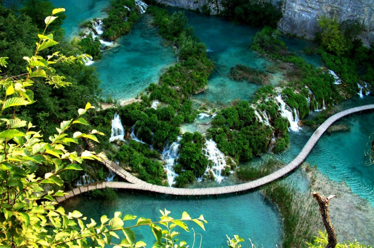 Plitvice-Lakes-National-Park-walking-trip-001